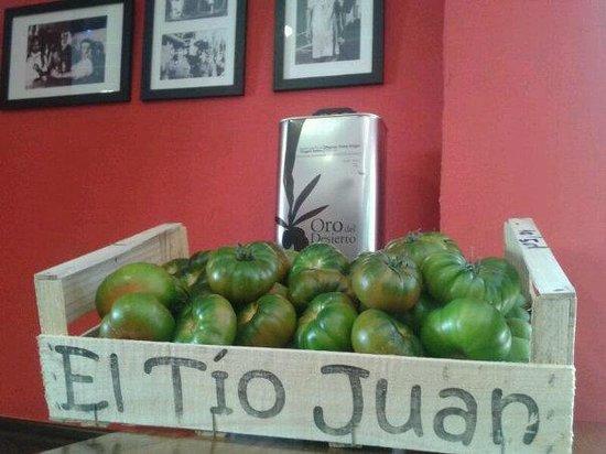 Cerveceria Karamba: El mejor tomate y el mejor aceite de oliva de nuestra tierra