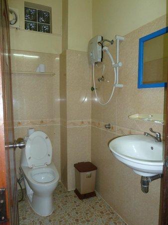 Mingalar Inn : Room with ensuite