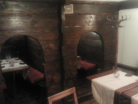 Restaurant Lou Grangni : les petits mazots, l'endroit rêvé pour les amoureux