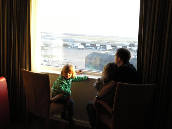 Radisson Blu Hotel, Manchester Airport: View of the airport