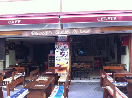 Celsus Cafe Bar: 1