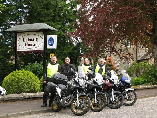 Lubnaig House: Setting off from the Lubnaig Hotel!