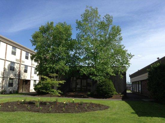 BEST WESTERN PLUS Waterville Grand Hotel: Courtyard Pool Entrance