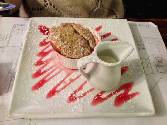 The Seven Stars: Apple and Cranberry Crumble