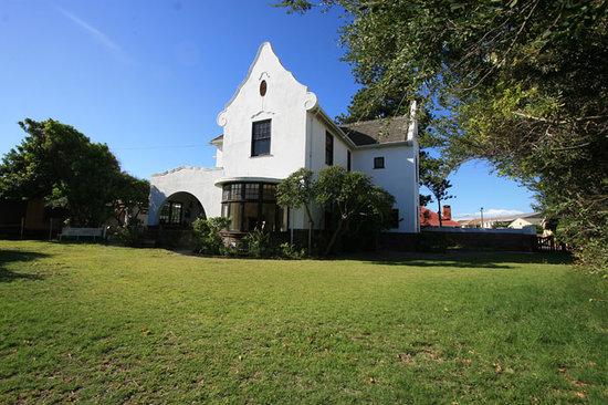 Cape Coast Castle: Main House