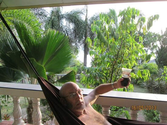 Haad Son Resort & Restaurant: Relaxing in a hammock
