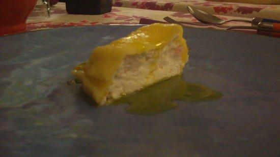 Locanda Madonna delle Vigne: Prodotto ancora in fase di sviluppo: raviolo con ricotta e salmone, condito con un filo d'olio c