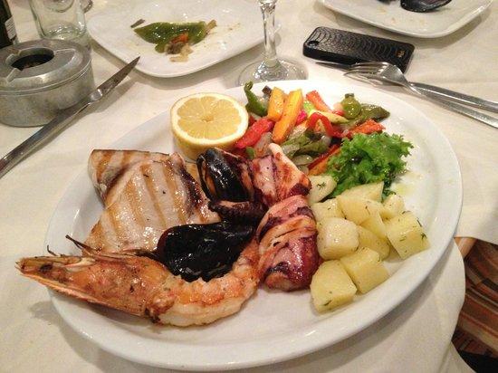 Lithos Restaurant Cafe: Рыбная тарелка