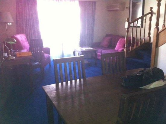 Mercure Canberra: Loft Room