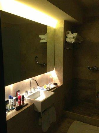 Urban Suites Recoleta Boutique Hotel: bathroom