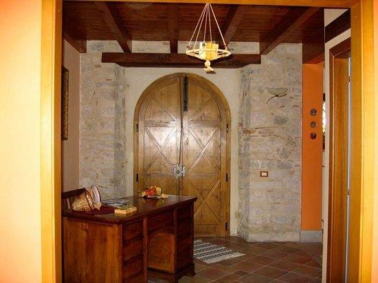 Dimora Al Castello: Entry way