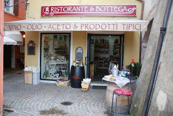 Ristorante Piccolo Hotel : Vineria