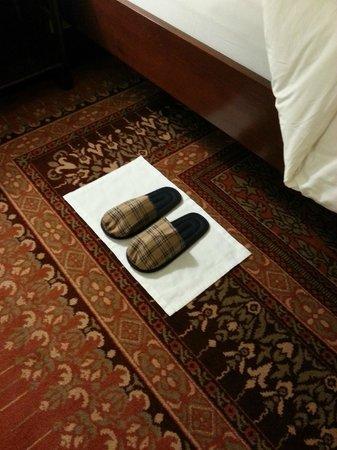 Raffles Grand Hotel d'Angkor: Slippers at bedtime