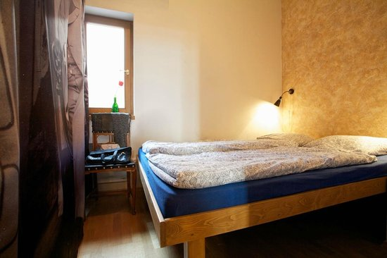 "Hostel Cafe Mitte: Double room ""Janacek"""