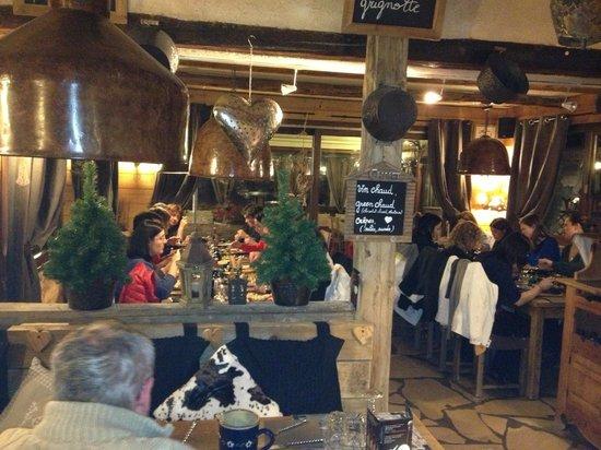 La Grignotte: salle restaurant