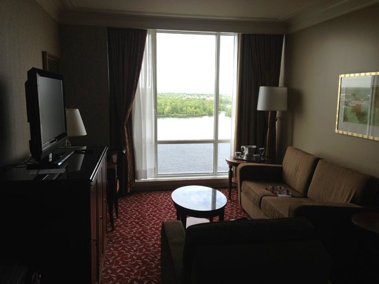 Hilton Lac-Leamy: Nice living area