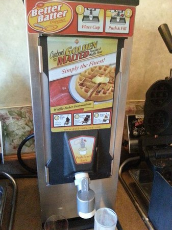 Days Inn & Suites Plattsburgh: Waffle