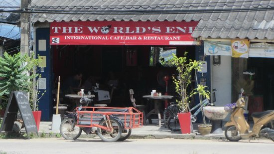 The Worlds End Cafe : Outside
