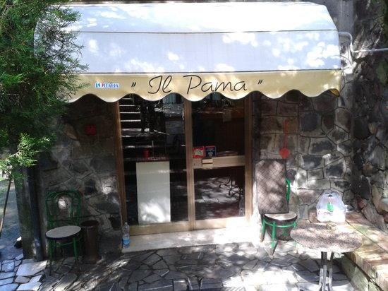 Ristorante Il Pama: L'ingresso del locale.