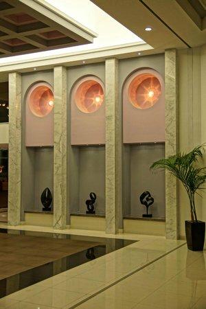 Atrium Platinum Hotel: Lobby
