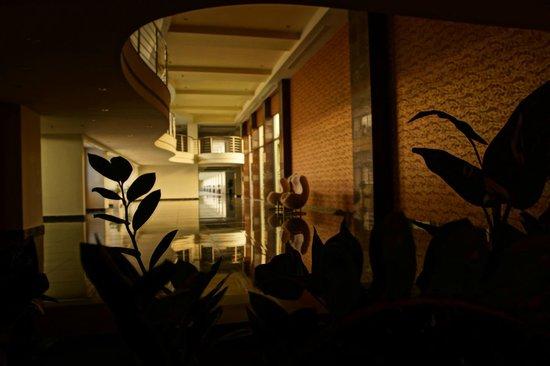 Atrium Platinum Hotel: im Hotel