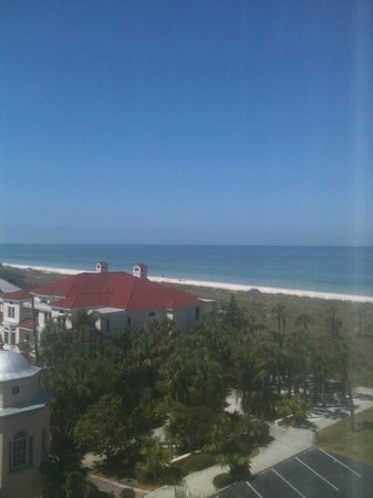 view from room on southeast corner of hotel on 4th floor