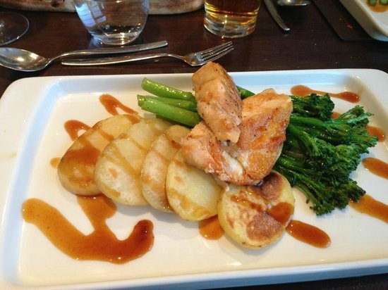 Meon Valley Marriott Hotel & Country Club: Delicious food in Broad Street Restaurant