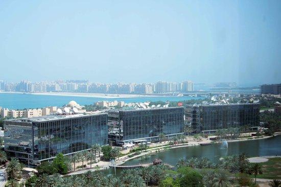 Media One Hotel Dubai: dalla nostra finestra...