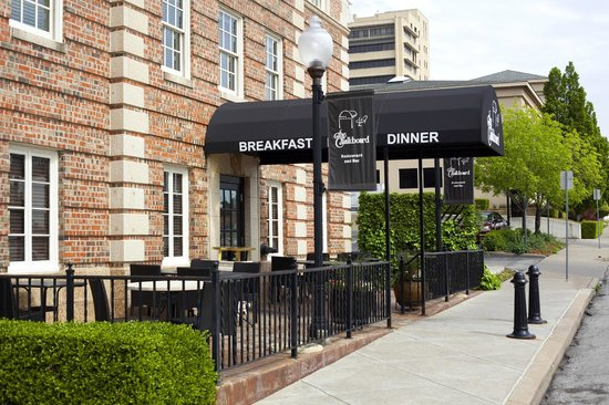 Enjoy Outdoor Dining at Ambassador Hotel Tulsa, Autograph Collection.