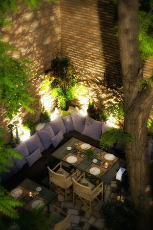 Giouvetsi picture of aleria athens tripadvisor - Outdoor eating area designs ...
