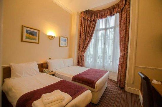 Brunel Hotel: Standard triple room