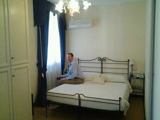 Ca' Riccio : Settling into our Room