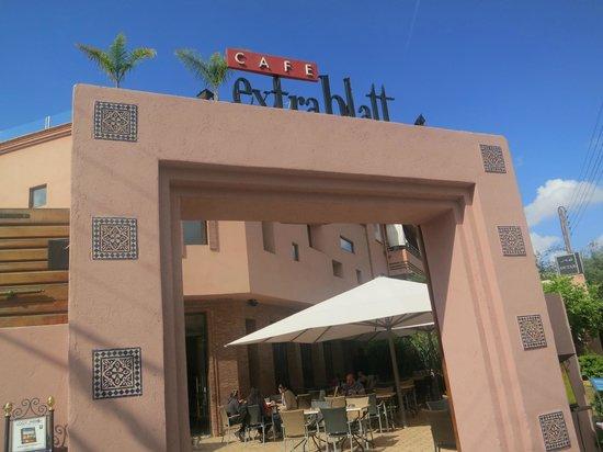 Cafe Extrablatt: restaurant exterior