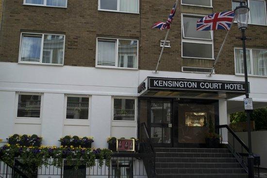 Kensington Court Hotel: Exterior