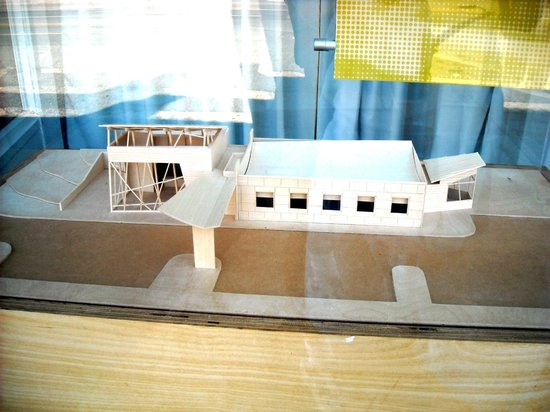Memphis Running Tours : A model at an architecture firm.