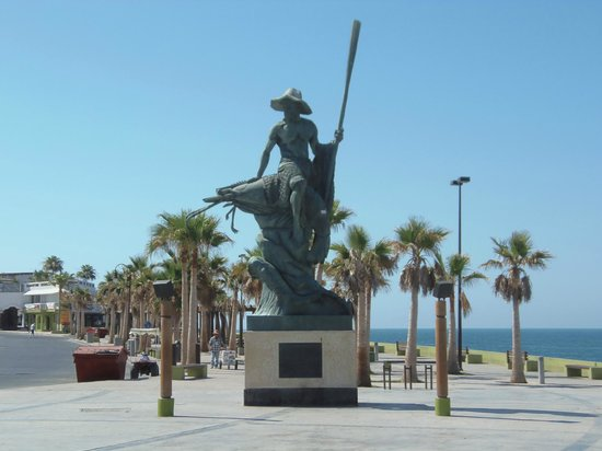 Playa Bonita Hotel: Puerto Penasco's central plaza