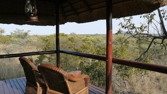 Zwahili Private Game Lodge & Spa: terras with great view