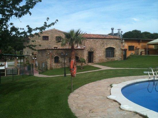 Hotel Restaurant Mas Palou: Vu de la piscine