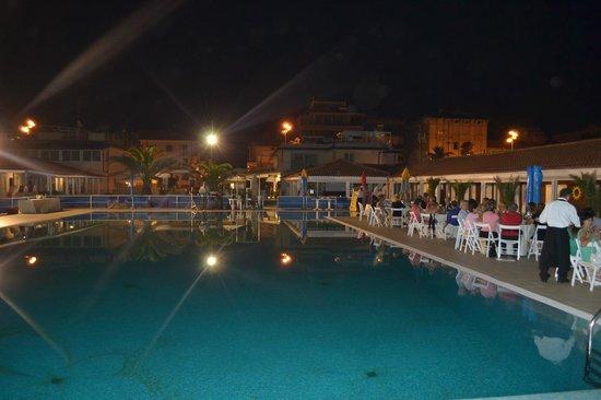 Cena in piscina - Picture of Bagno Roma, Viareggio - TripAdvisor