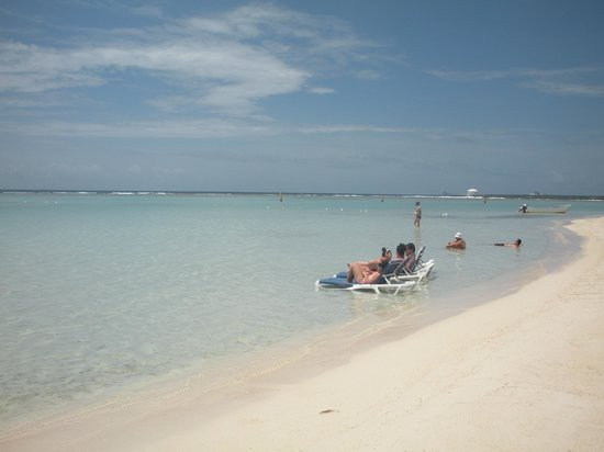 Lazy Day At Boca Chica Beach Picture Of Be Live Experience Hamaca Garden Boca Chica Tripadvisor