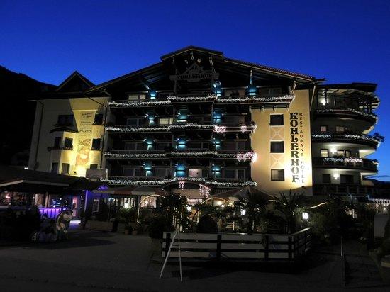 Hotel Kohlerhof: Hotelansicht bei Nacht