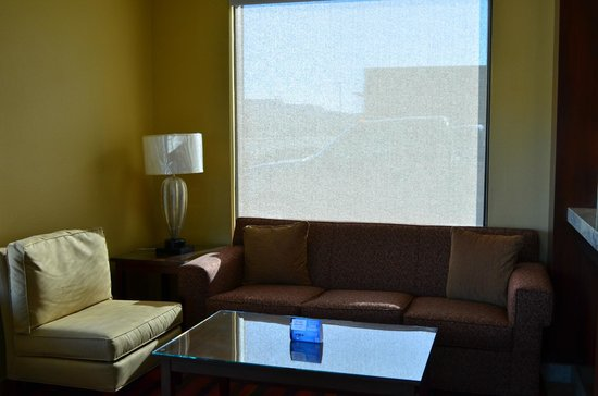 SureStay Hotel by Best Western Tehachapi: Lobby