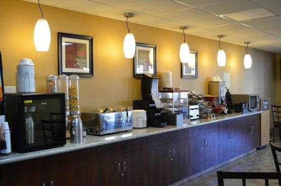 Best Western Mountain Inn: Breakfast Room
