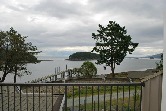 Mayne Island Resort: View from deck