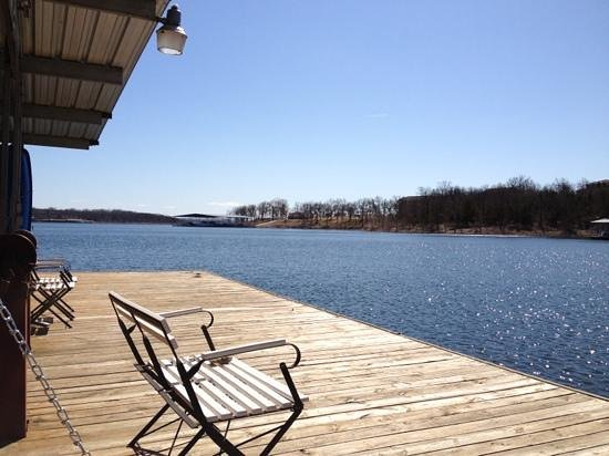 Calm Waters Resort: The view from Calm Waters dock