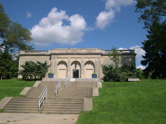Battle Creek, Мичиган: Front Entrance