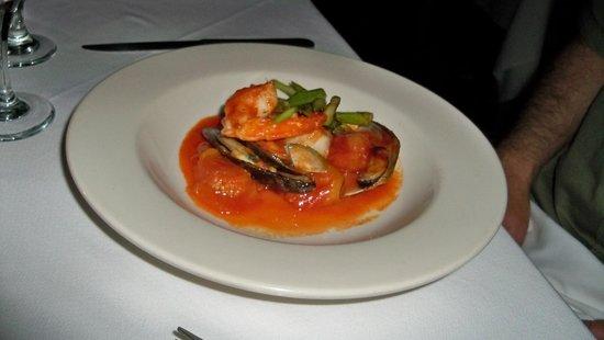 Ti Kaye Resort & Spa: Monday night dinner at beach restaurant