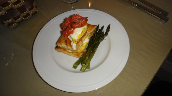 Coach Stop Inn Bed and Breakfast: Eggs napoleon