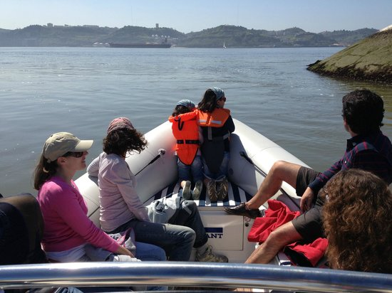 Lisbon by Boat: Family Tour- Lisbon ByBoat
