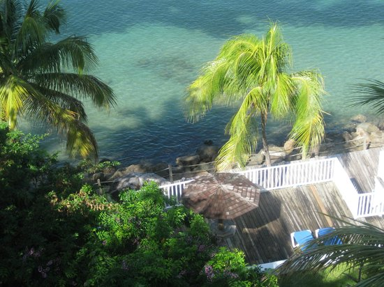 Windjammer Landing Villa Beach Resort: View from our balcony (straight down)